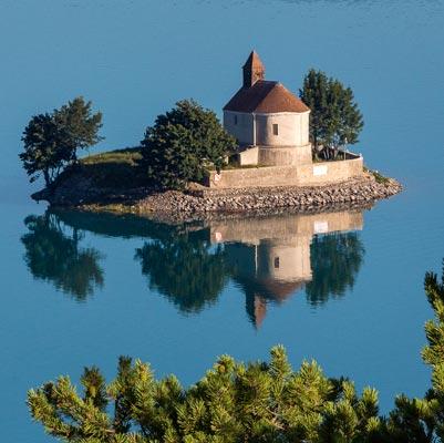 Lac de Serre-Ponçon Chapelle Saint-Michel