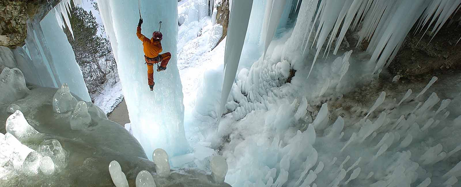 Cascade de glace Serre-Ponçon